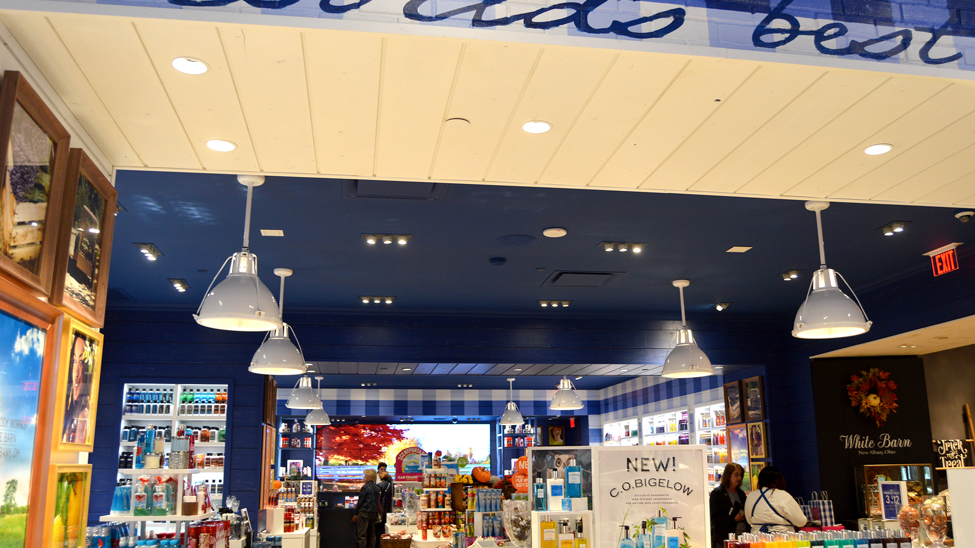 bath-bodyworks-inside-2