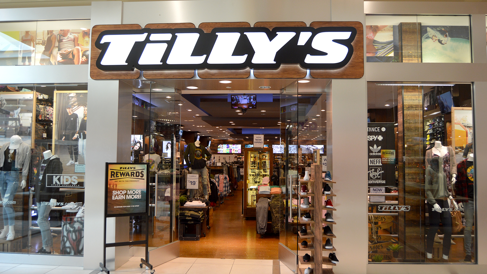 Tillys Location Gwe
